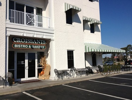 croissants pet friendly restaurant in myrtle beach